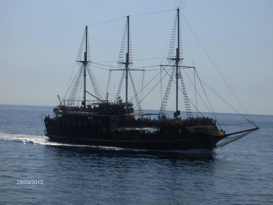 пиратски кораб на Халкидики