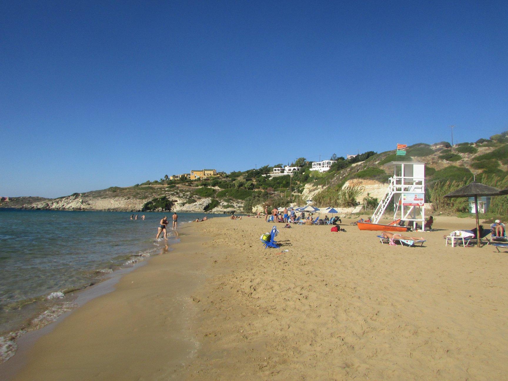 плаж със спасител до Ханя