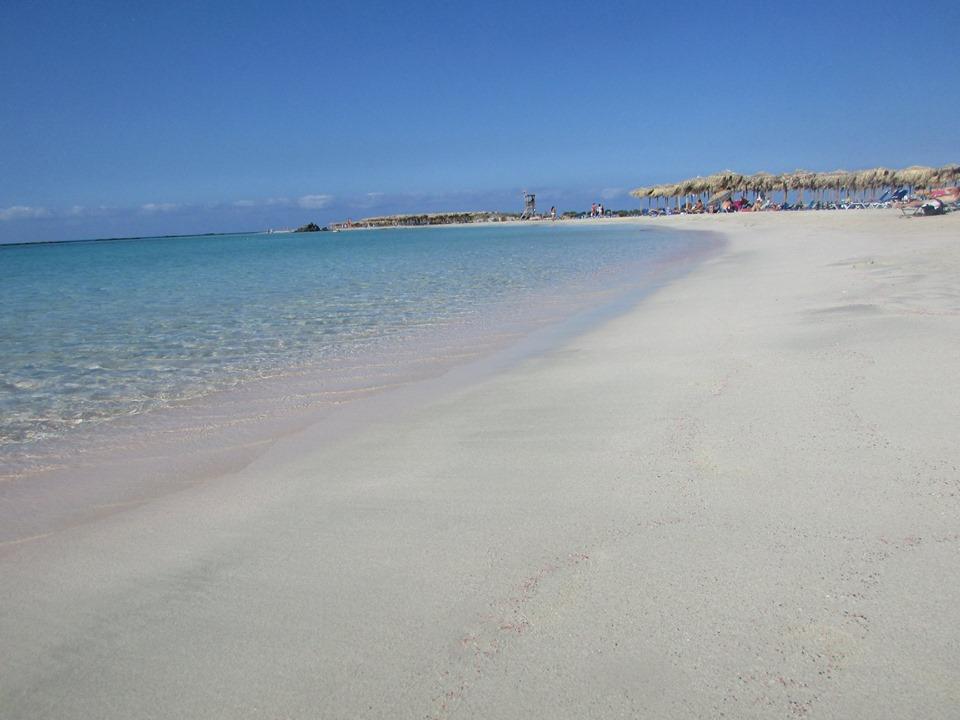 финният пясък на плажа на Елафониси