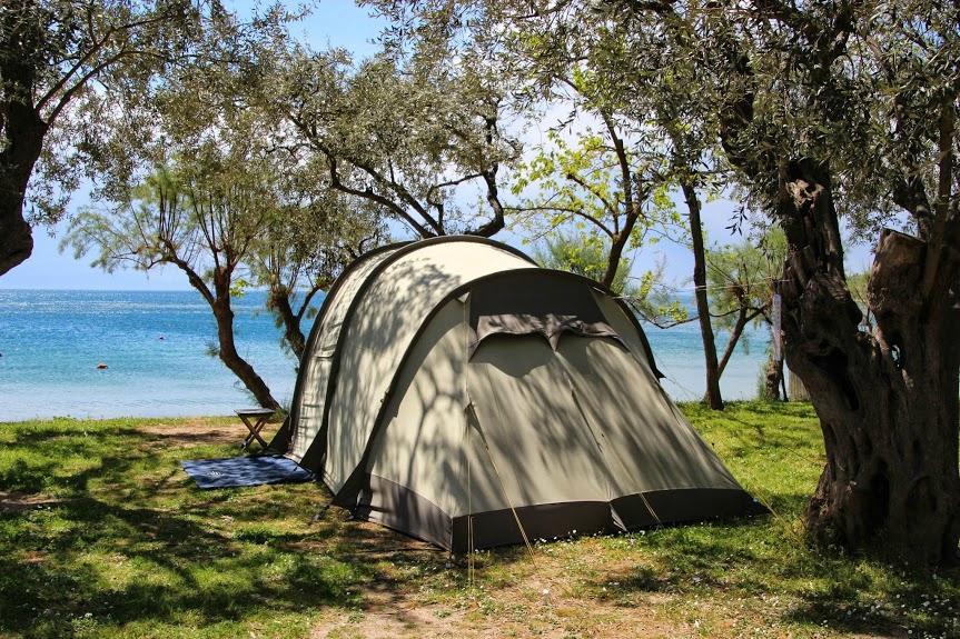 палатка на къмпинг в Гърция