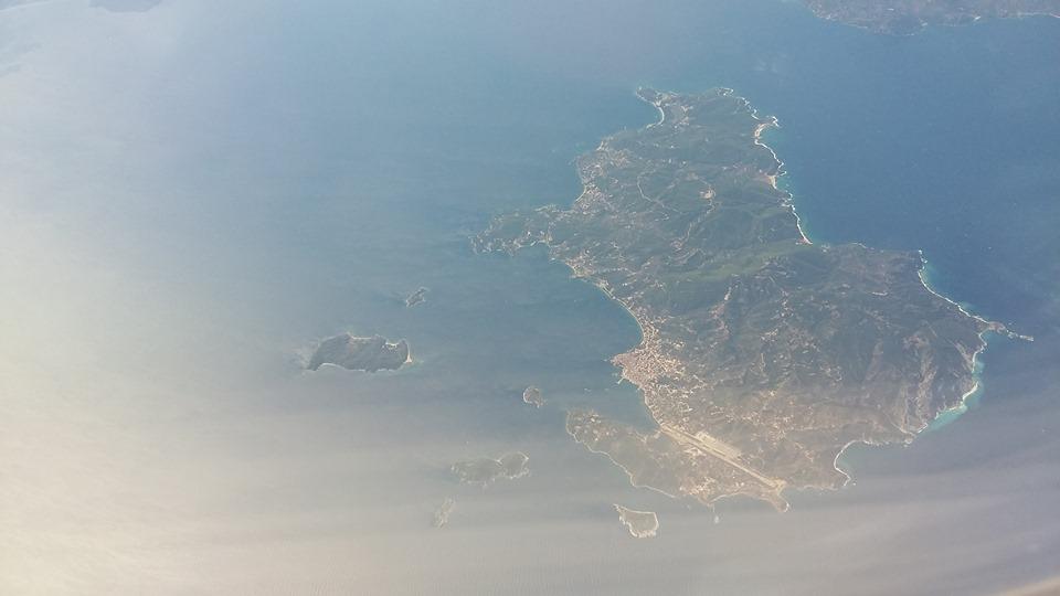 Над егейско море със самолет