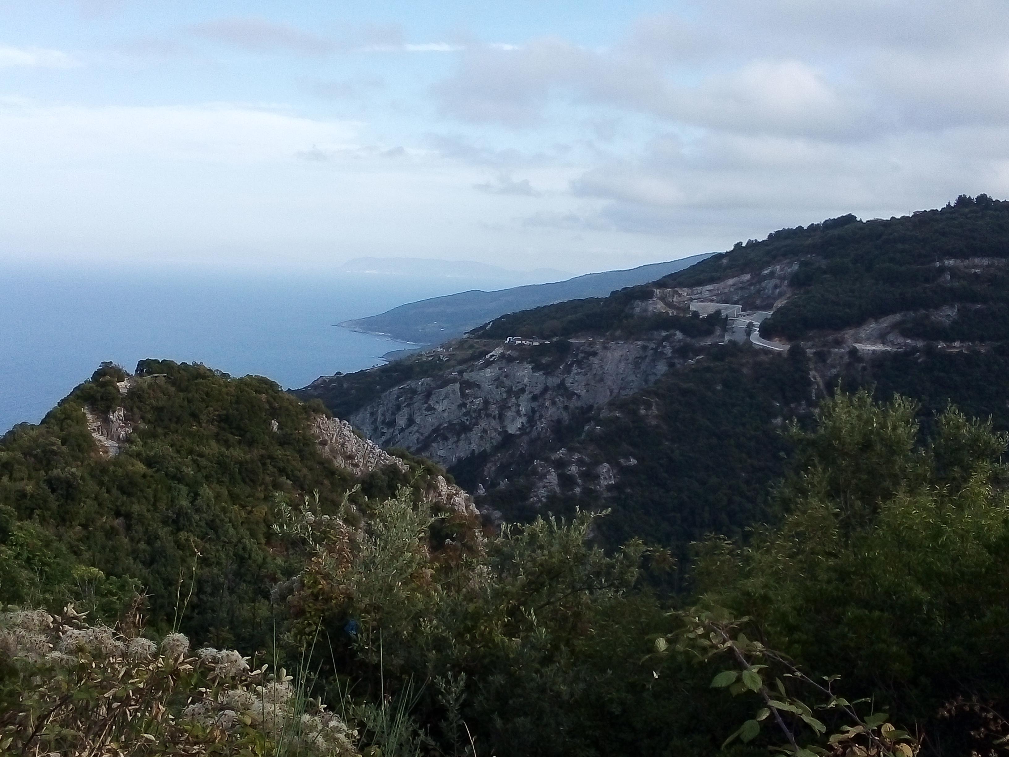 Комбинация планина и море на Пилио