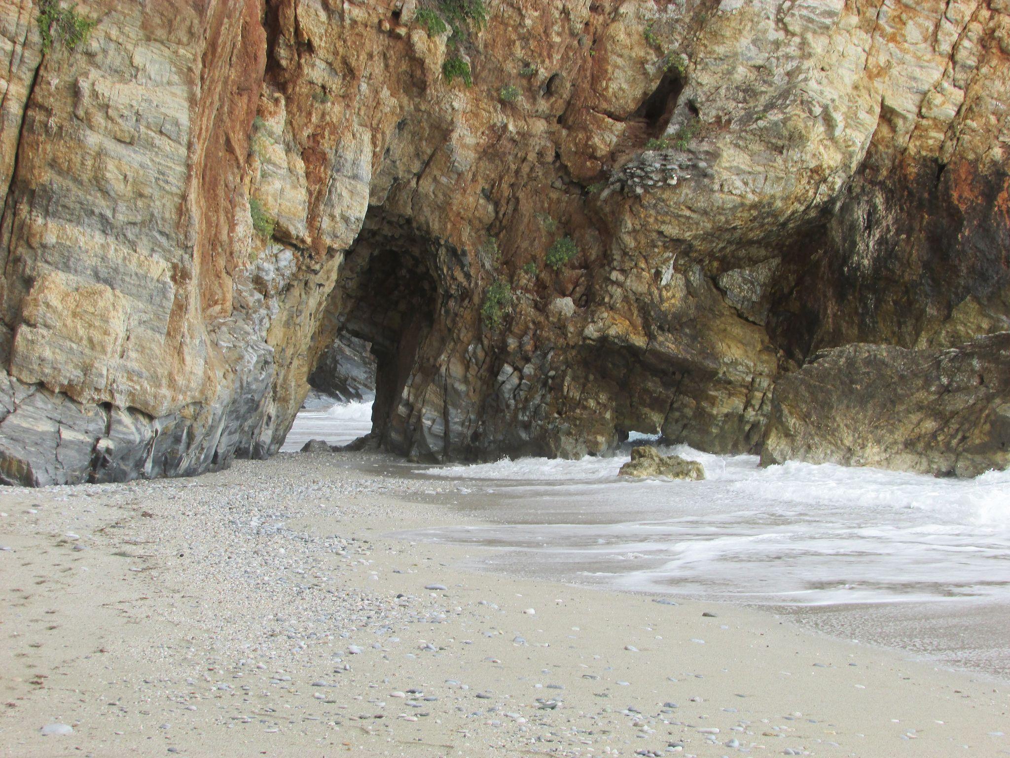 тунела на плаж Милопотамос