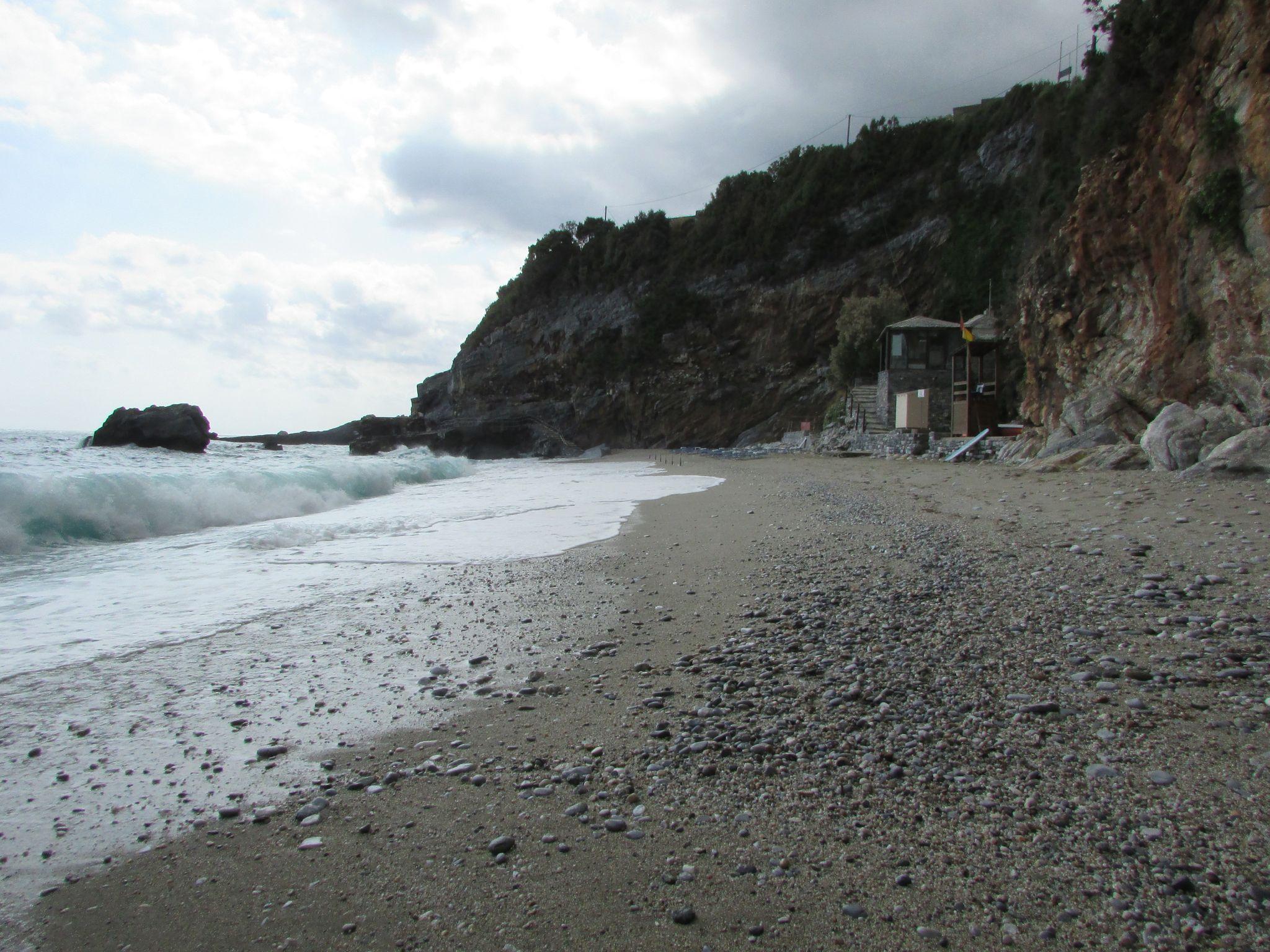 Пясъчния плаж Милопотамос