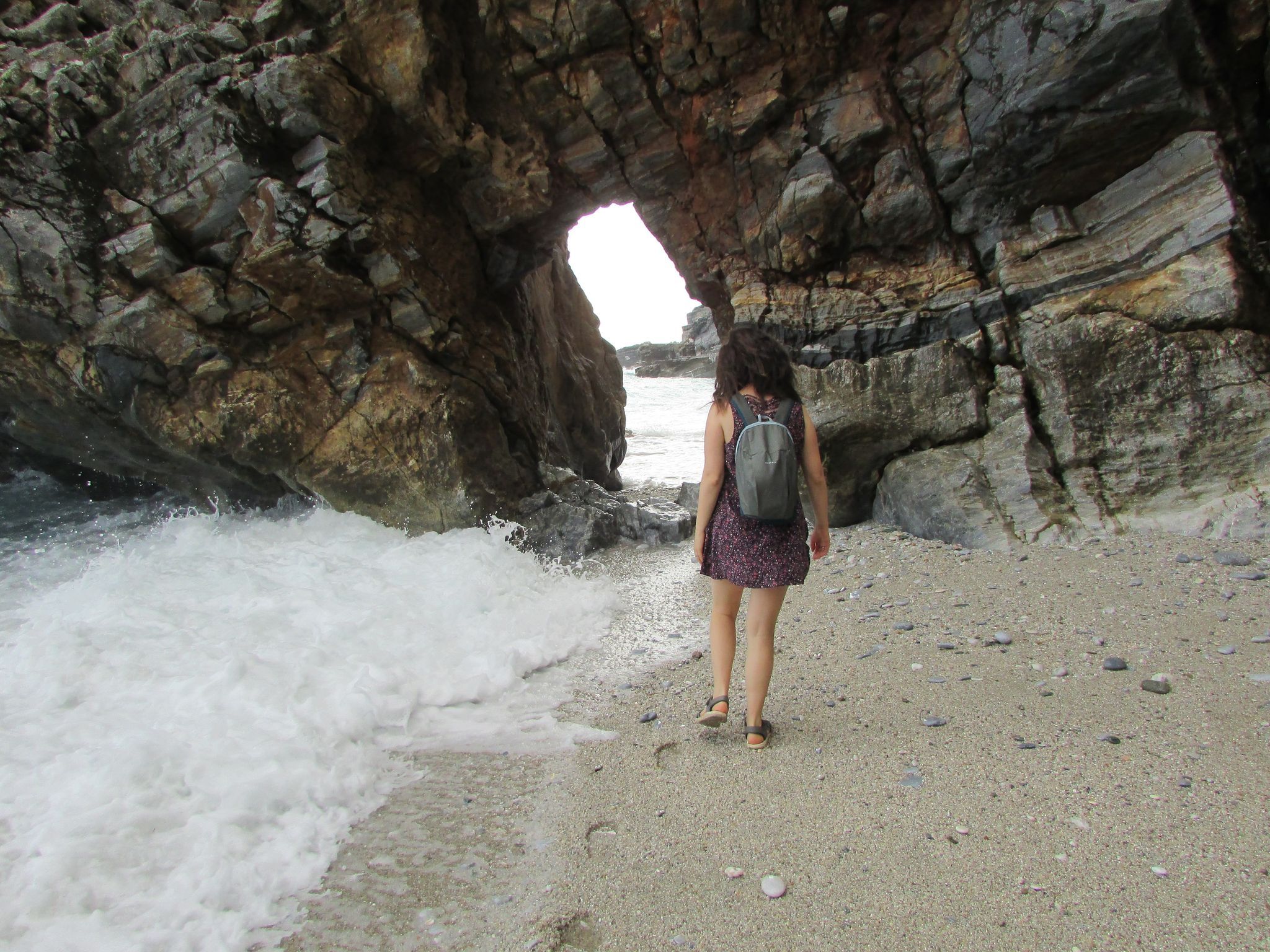 тунел на плаж Милопотамос