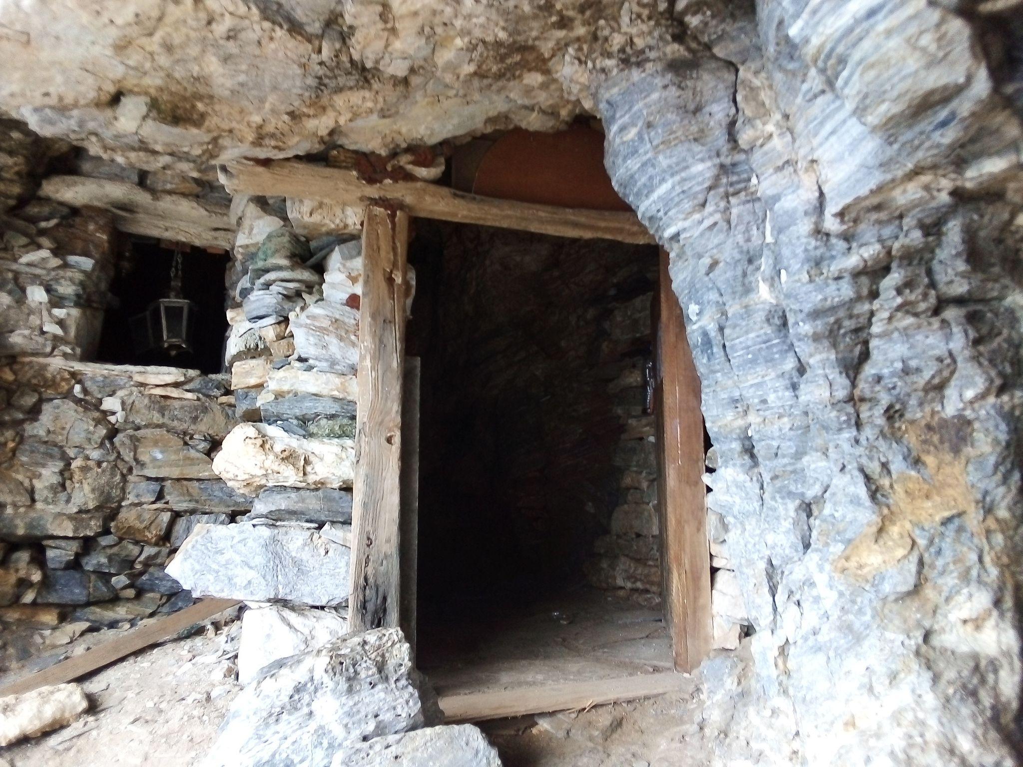 пещера до плаж Факистра