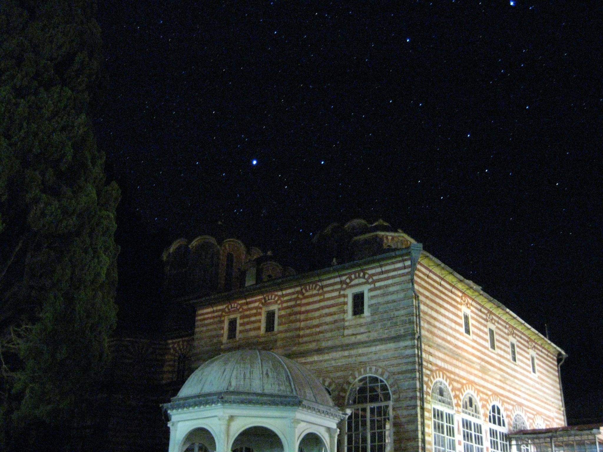 Звездите нощно време на Атон