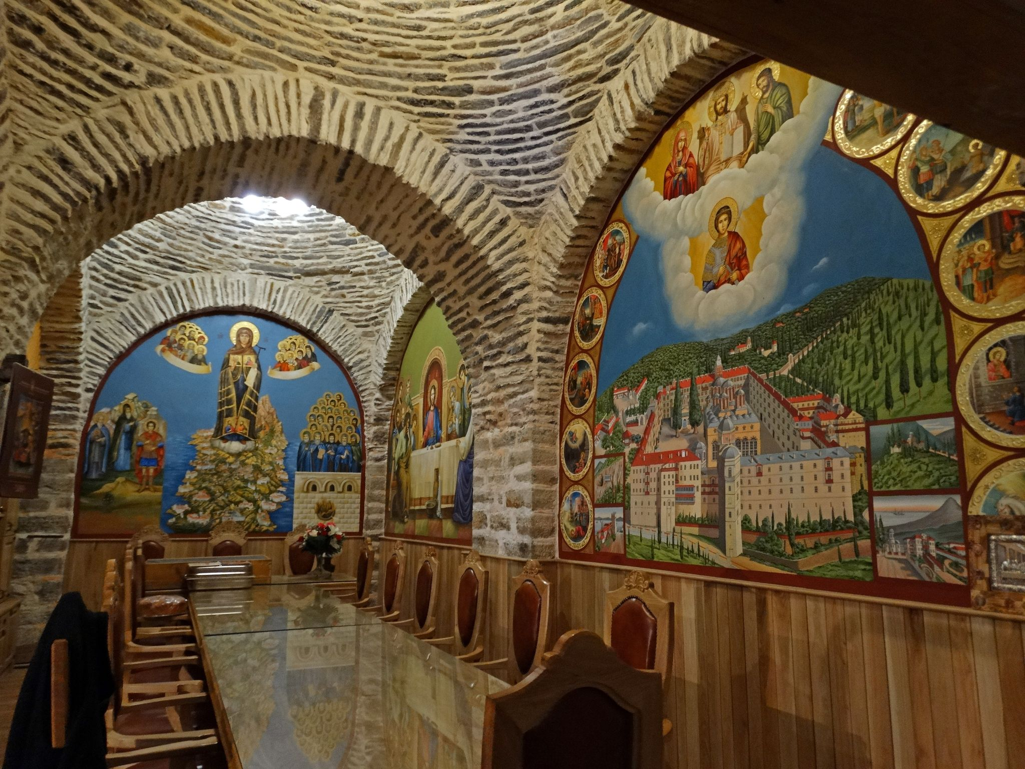 Маса в избата на Свети Георги Зограф