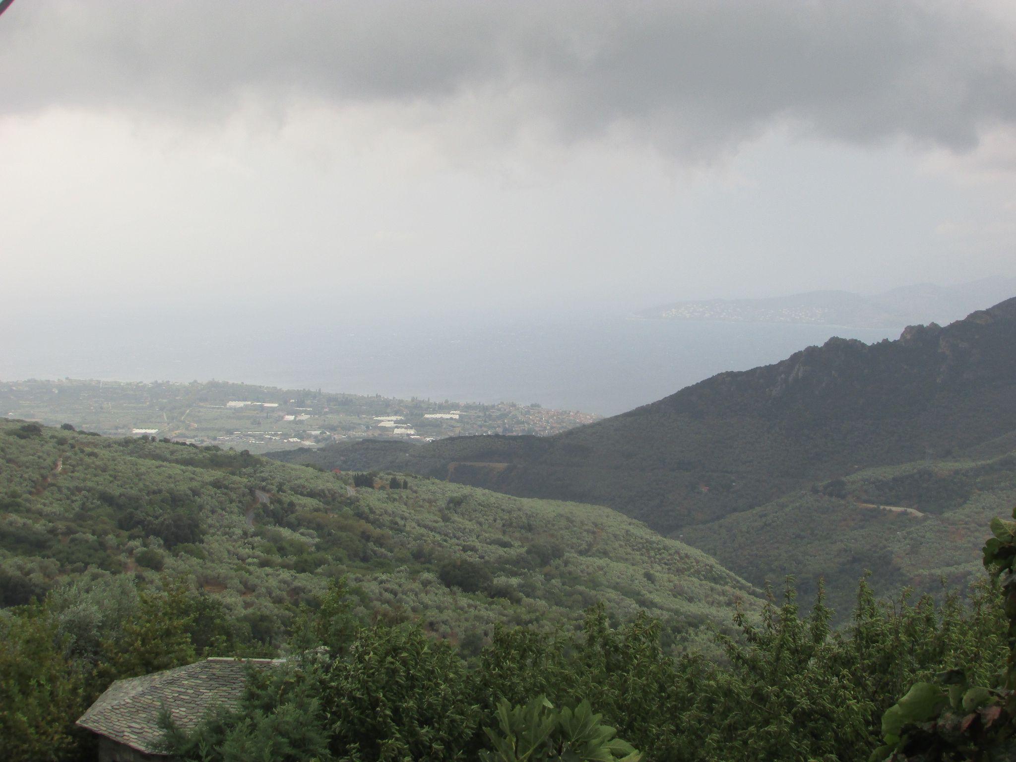 Панорамата от село Агиос Лаврентиос