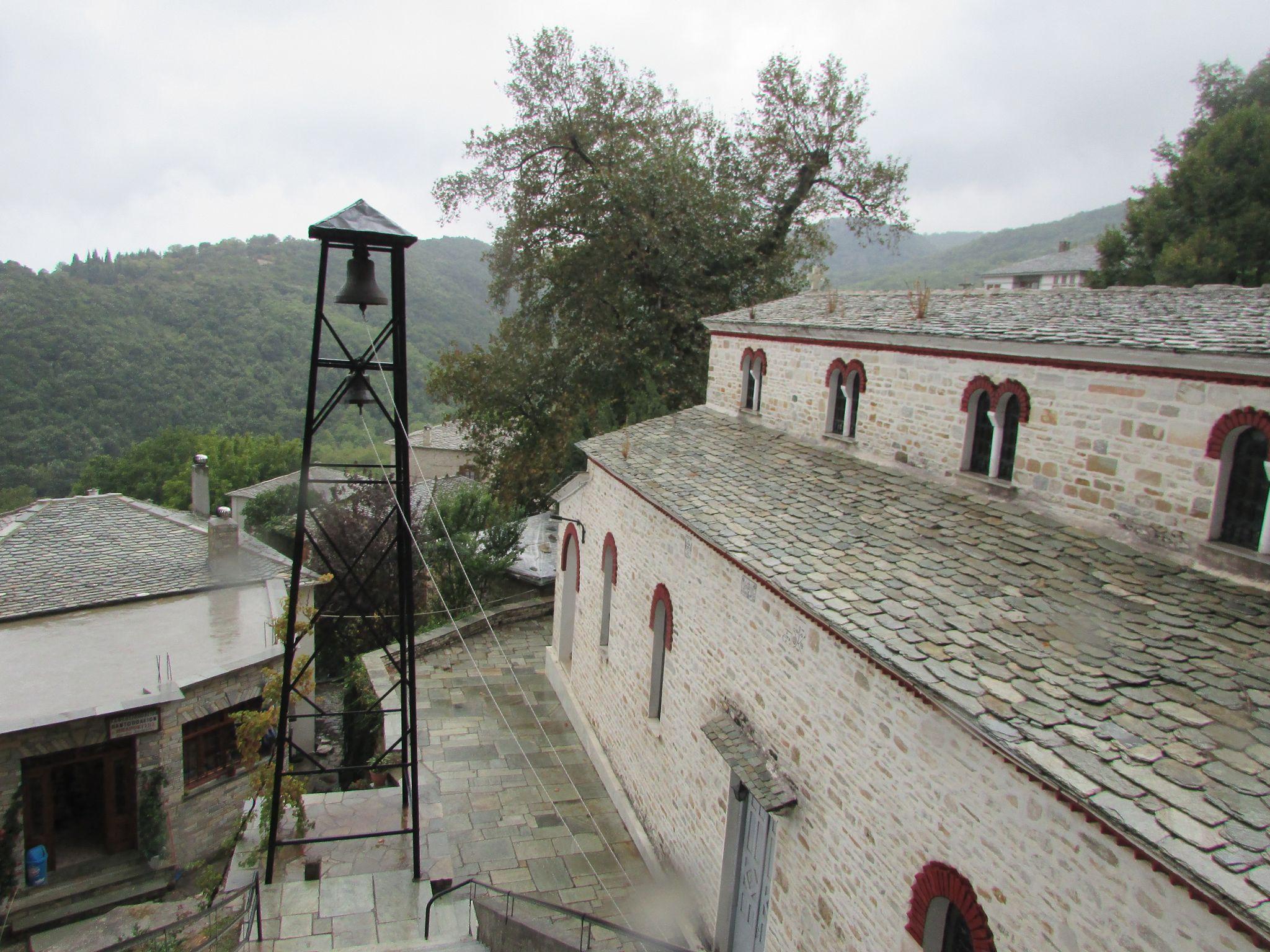 Цървата на село Пинакатес, Пилио