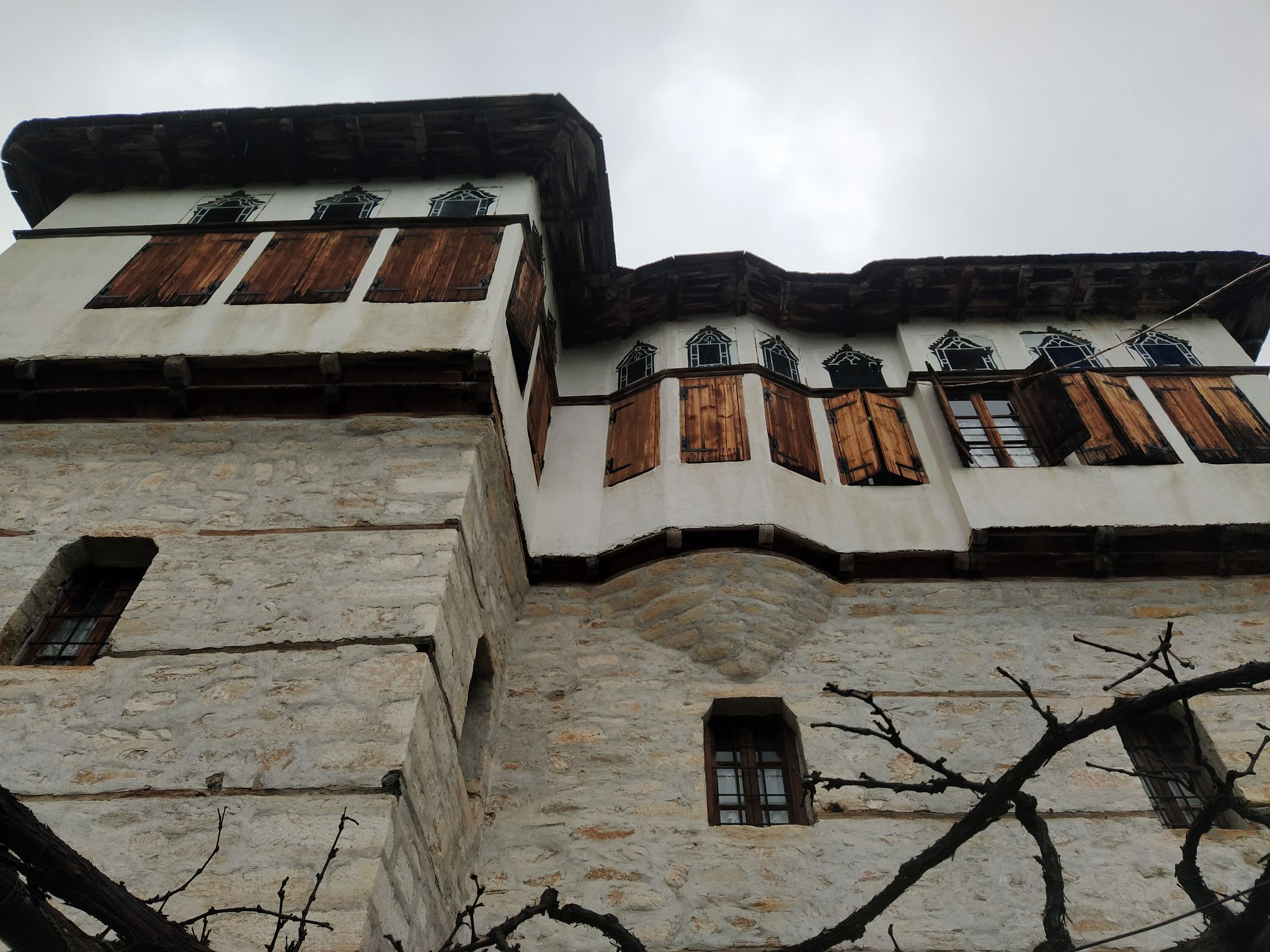 Каменна къща в Пинакатес