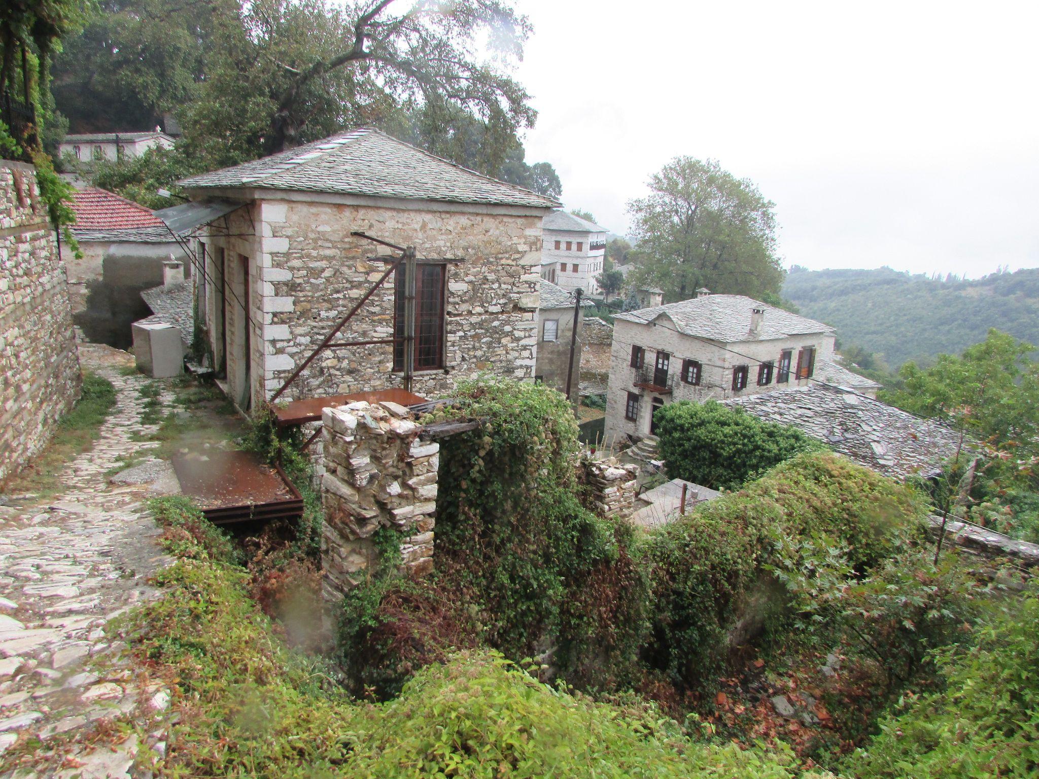 Архитектура в село Пинакатес