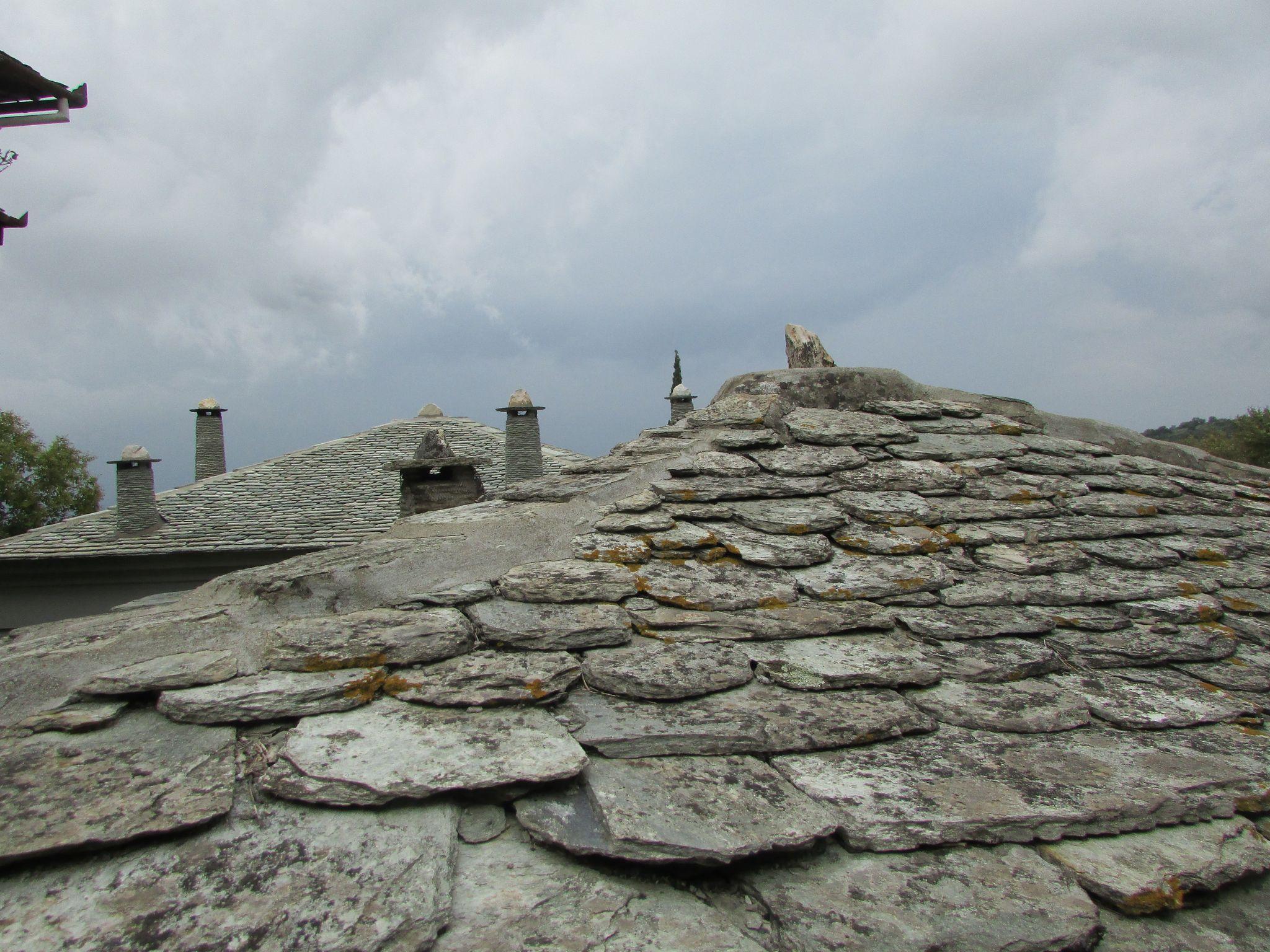 каменни тикли-покрив в Милиес