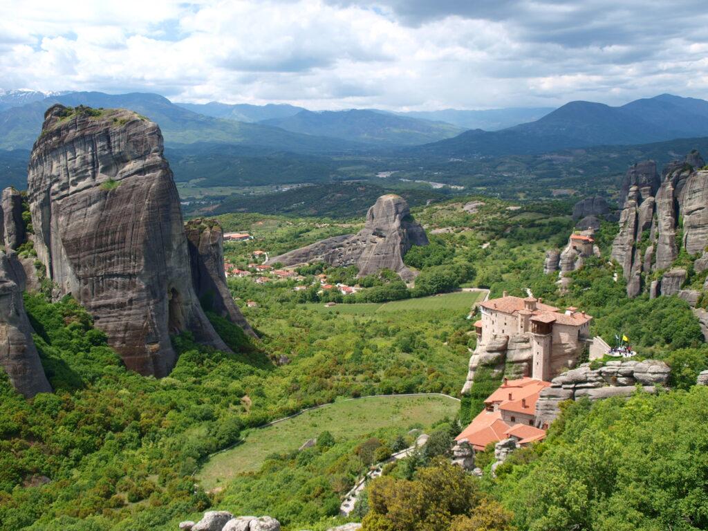 Гледка към манастирите на Метеора