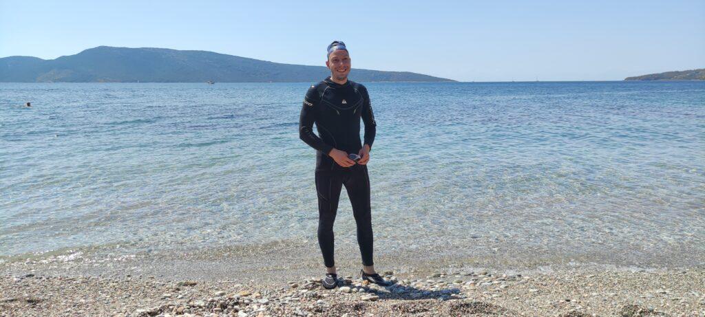Опит за предпазване от медузи с неопренов костюм